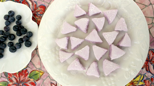 How to make wonderful blueberry marshmallows.