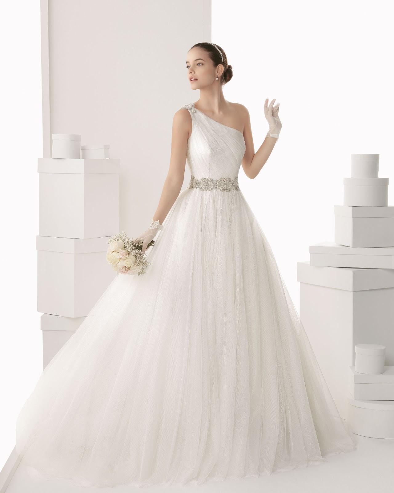 Vestido de novia sencillo rosa clara