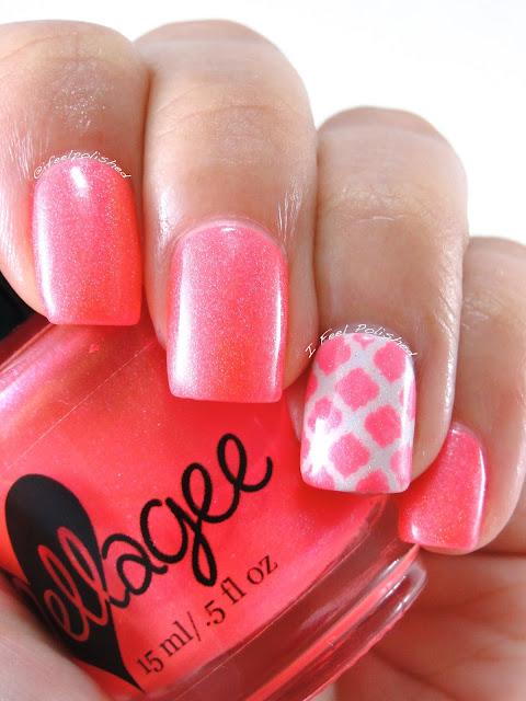 Quatrefoil Nails
