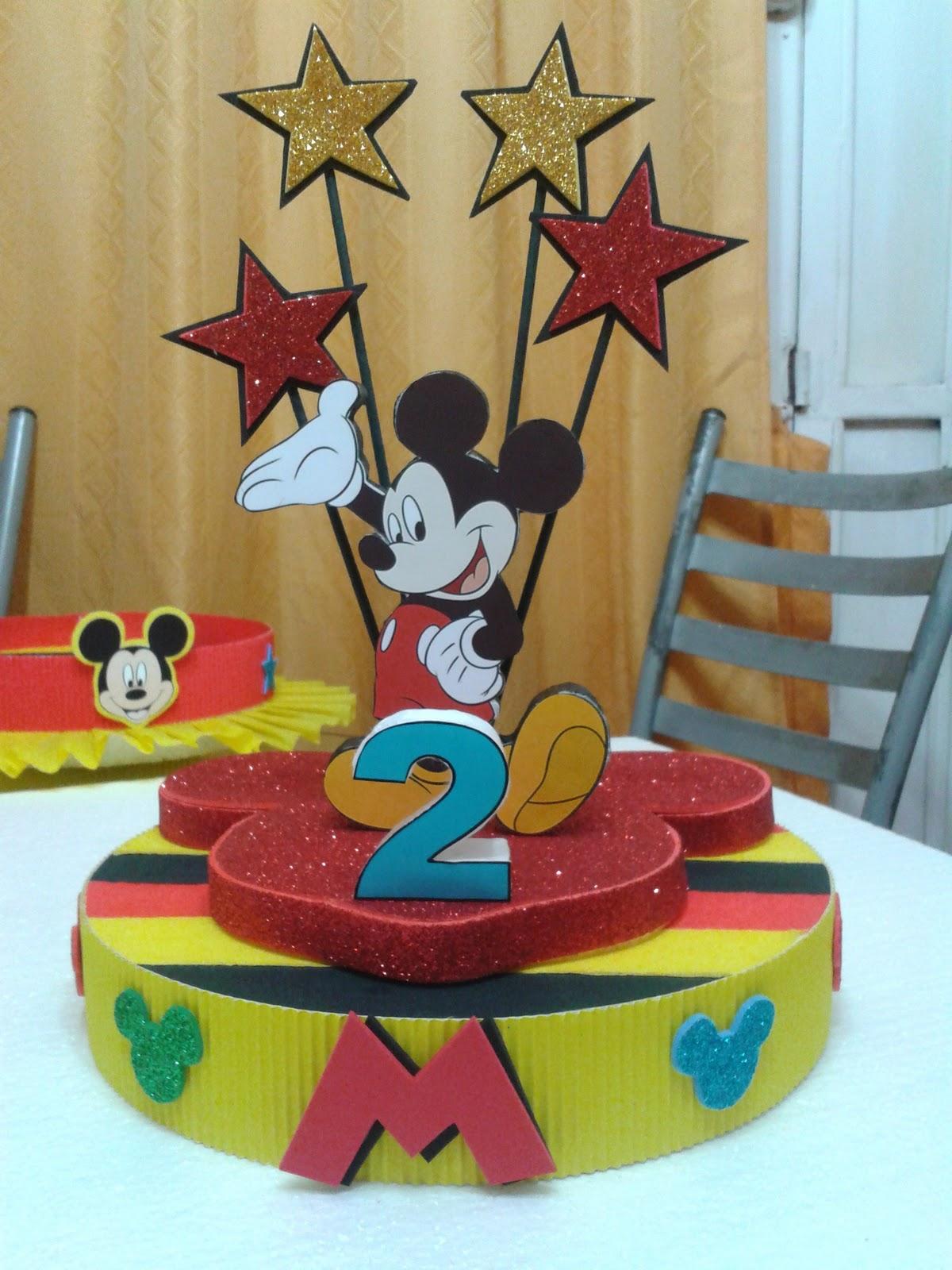 Adorno de torta de mickey para 1 a o manualidades para for Decoracion de tortas infantiles