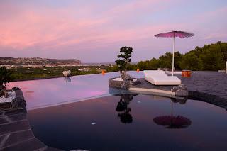 piscina+infinity Pavimentos exteriores de piscinas