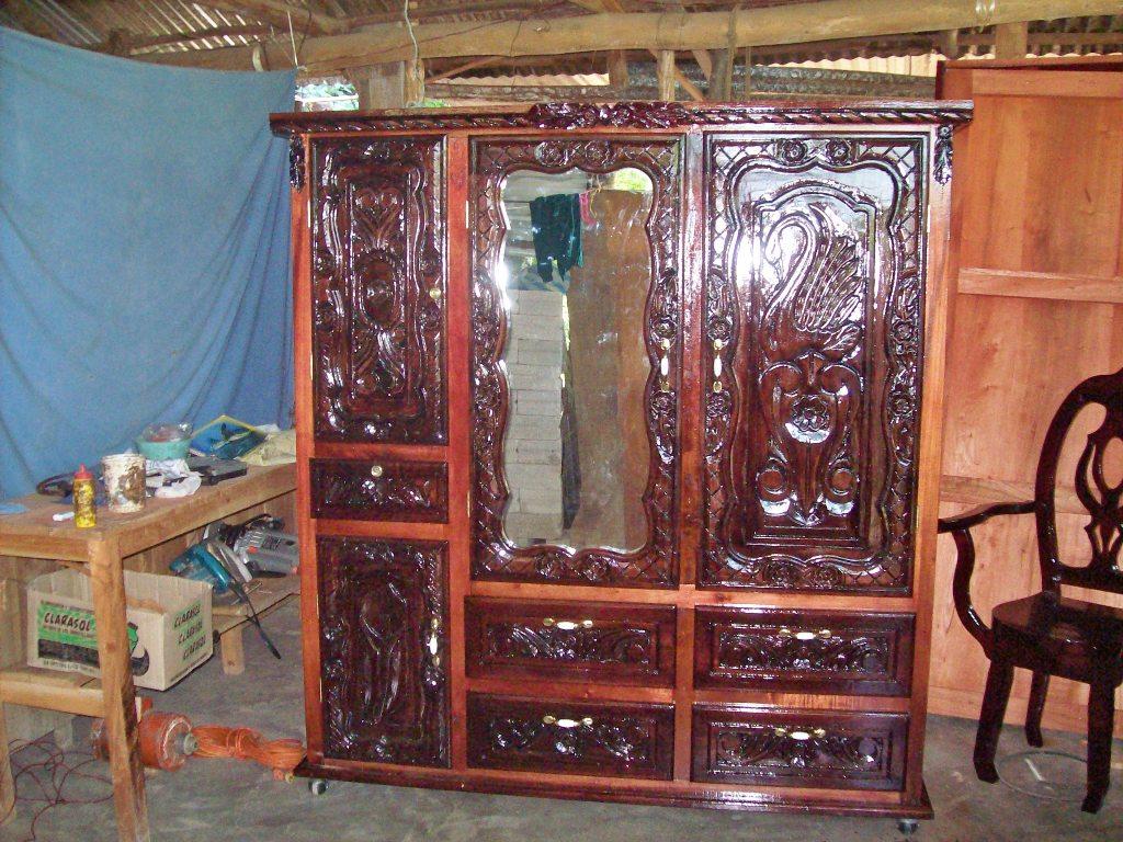 Muebles de cedro rojo  Veracruz Roperos tallados y sencillos