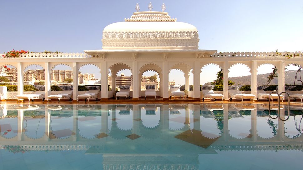 Taj lake palace a luxury heritage hotel luxury travel for Top design hotels india