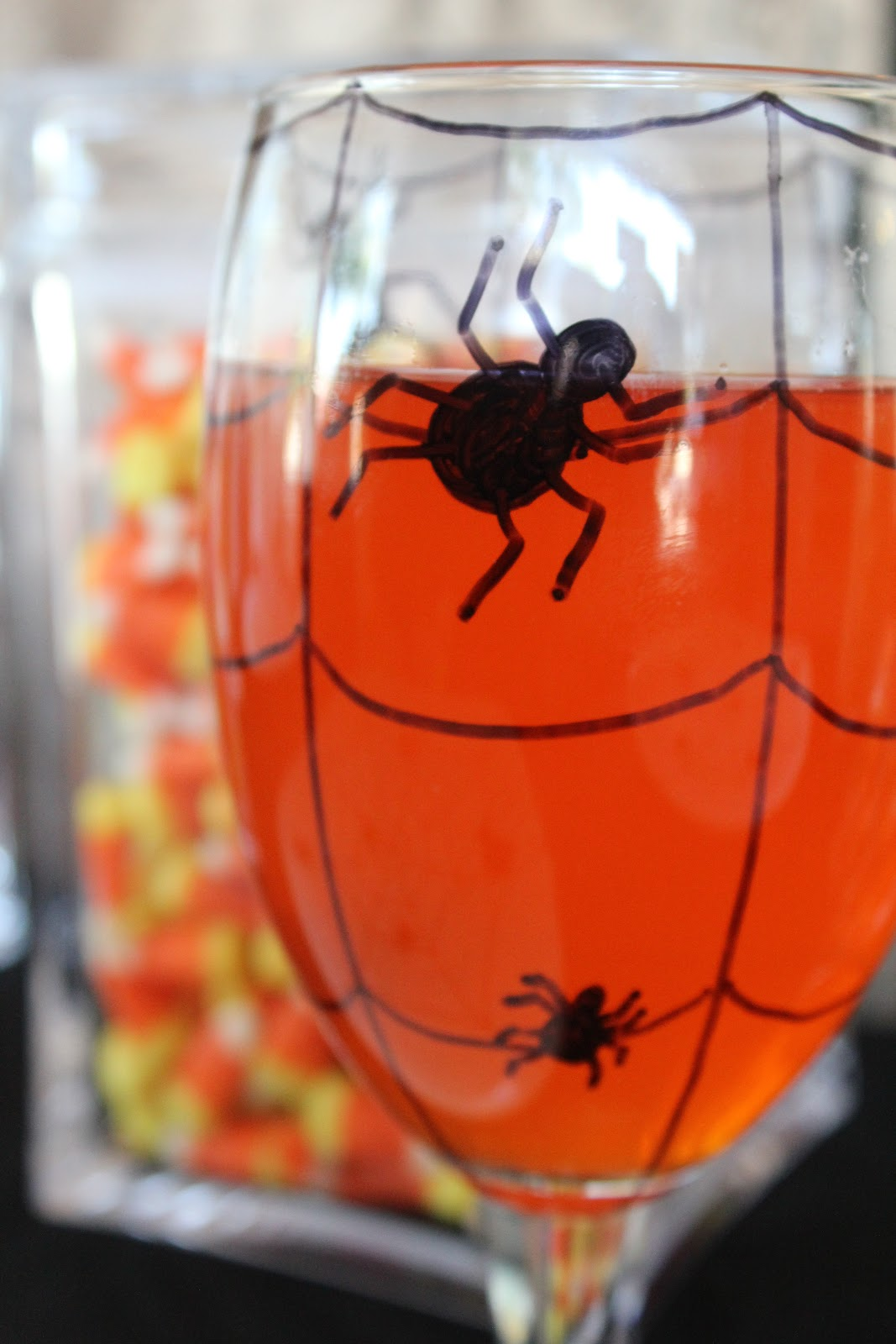 Halloween Spider Glass and Dishes DIY | Everyday Parties