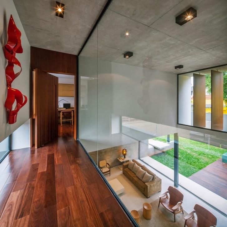 Interior glass wall in Modern Planalto House by Flavio Castro