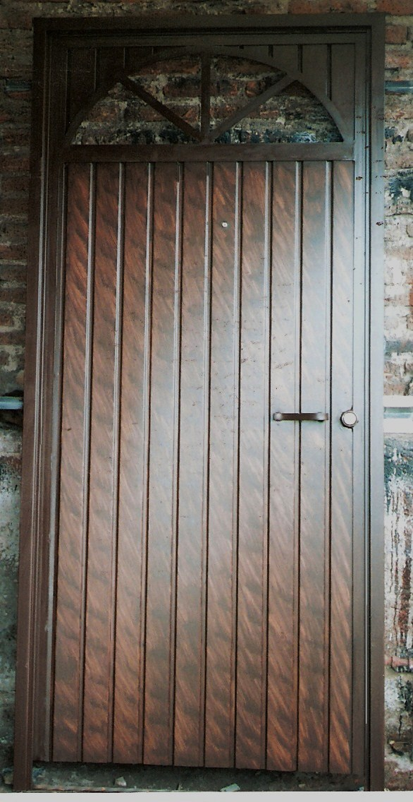 Herreria rober galeria de puertas for Puertas de herreria de cuadros
