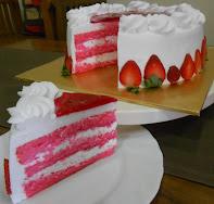 Kek Strawberry (Sponge Kek)