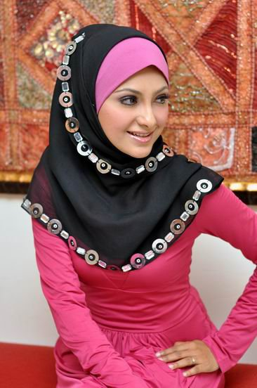 Girls-Abaya-Fashion-2012