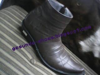 sepatu yang cocok untuk zaman sekarang di jamin murah.dan jarang ada yg pake
