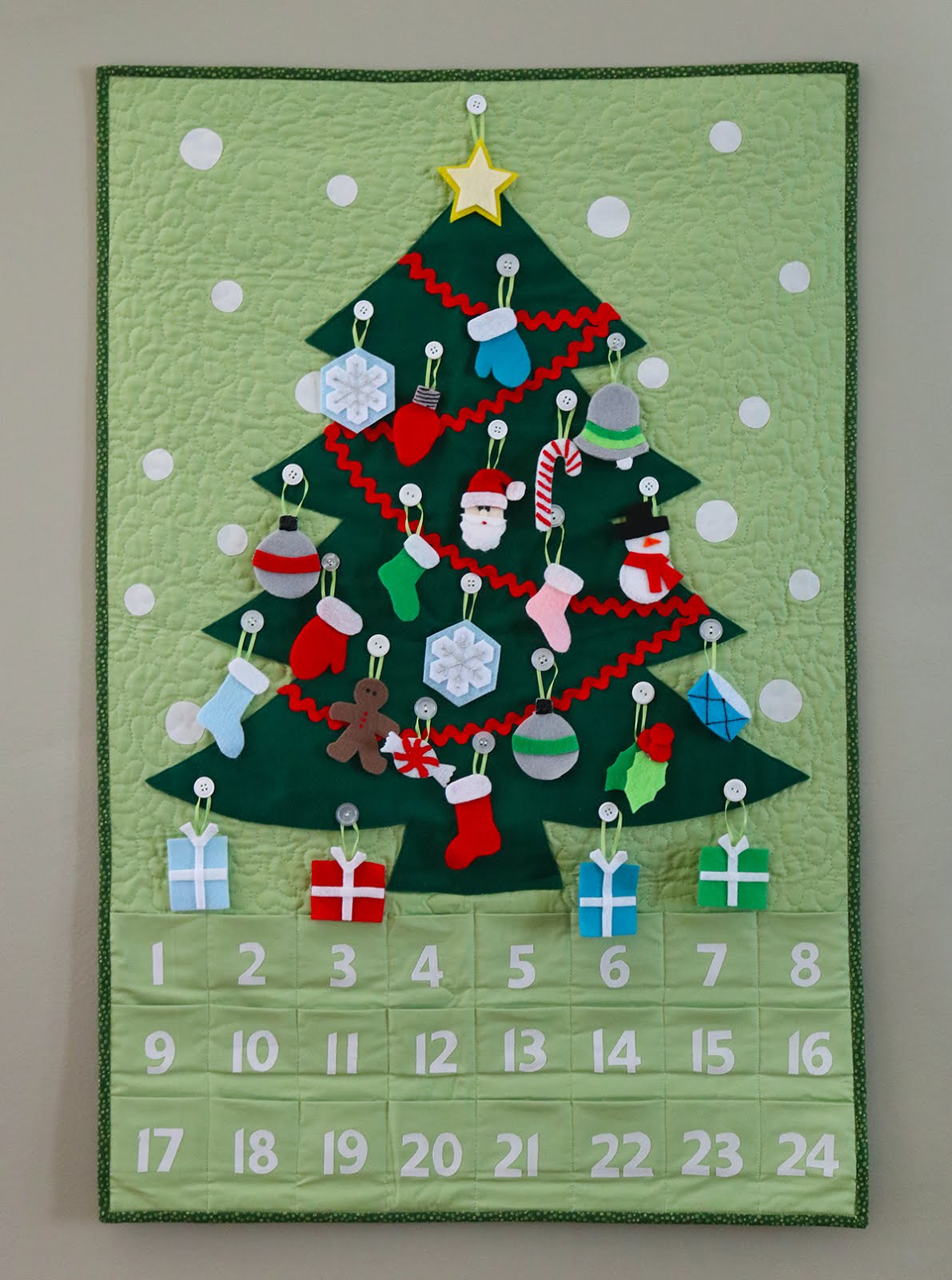 A Bright Corner: Quilted Advent Calendar and Ornaments Pattern