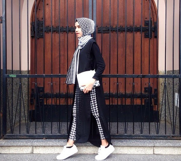 Fashion For Hijabers Ootd Ootd Fashion Hijab Black And White Inspiration From Ameliaelle