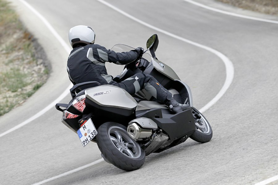 Autoesque  BMW unveils maxi scooters