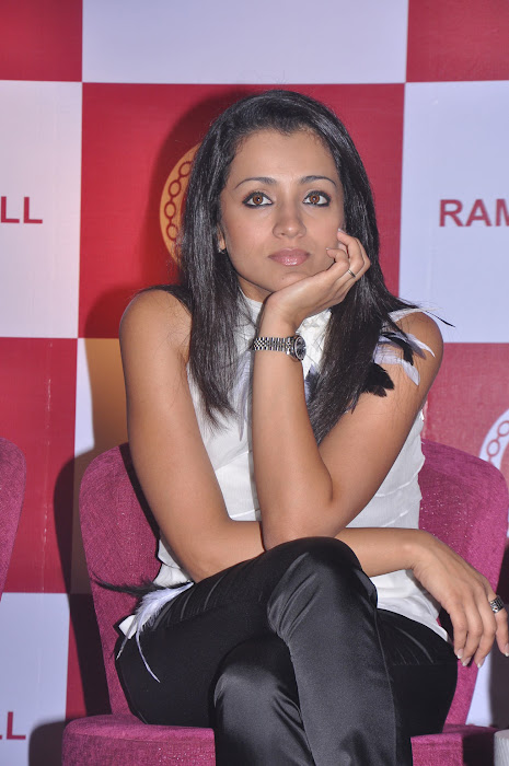 trisha new @ ramee mall launch glamour  images