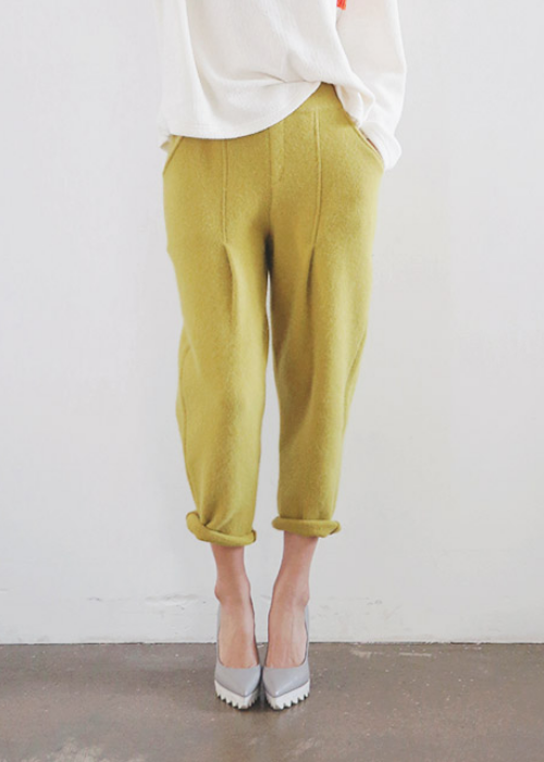 Tapered Pintuck Knit Pants