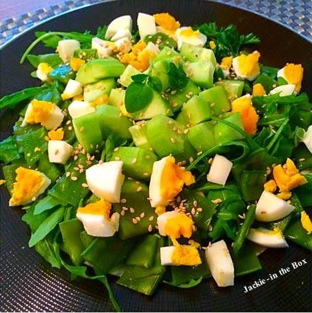 http://jackie-inthebox.blogspot.nl/2014/10/receita-salada-verde-com-rucula-e.html