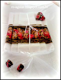 embalagem de presente em tecido
