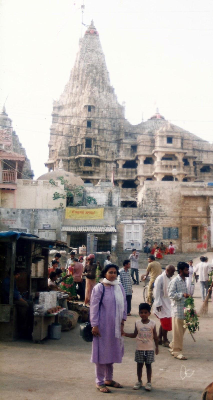The spooky uparkot fort junagadh gujarat - After A Long Drive And A Night Halt At Jamnagar From Naliya We Set Off To Dwarka The Next Morn