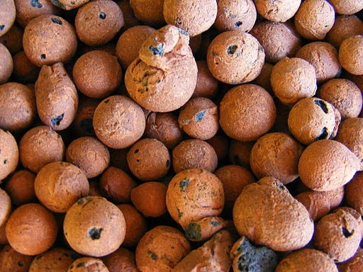Expanded clay granules