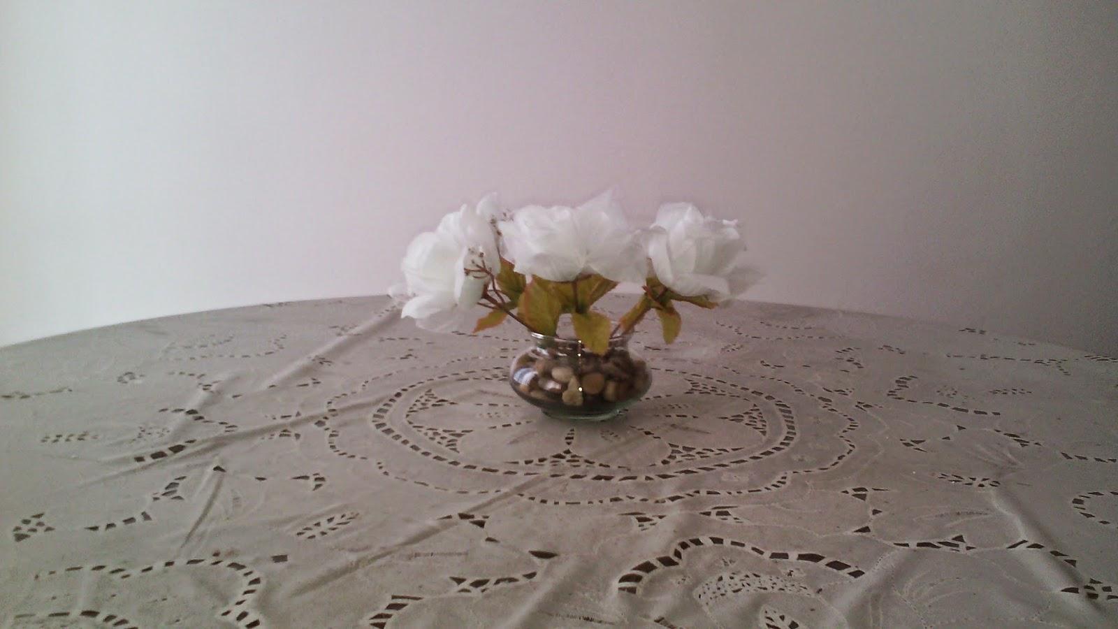 Cómo hacer un arreglo con flores artificiales eHow en  - Imagenes Arreglos Flores Artificiales