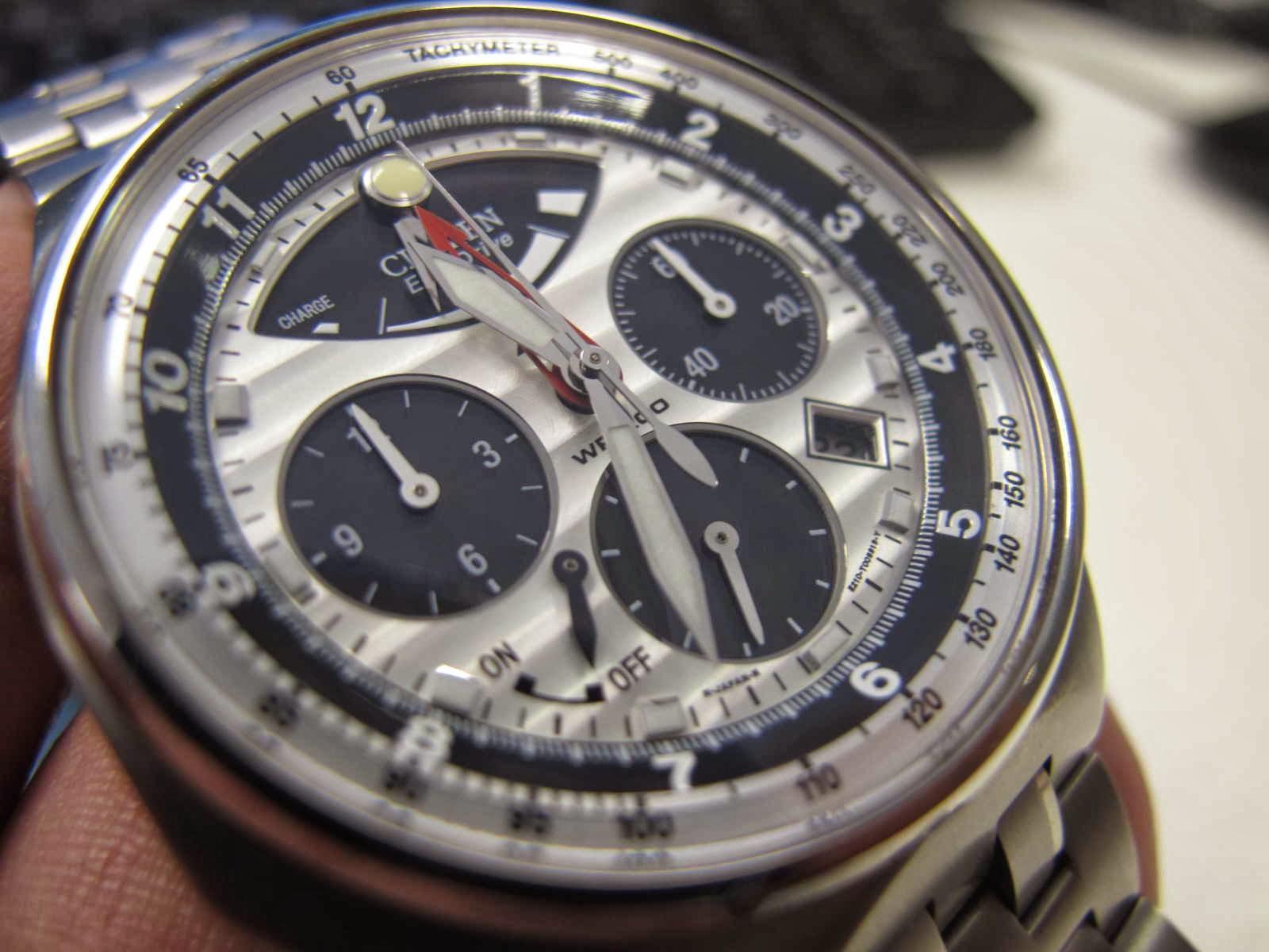 Kondisi jam Citizen Panda Chronograph ini SUPERB lengkap dengan box manual dan warranty card Cocok untuk Anda yang sedang mencari jam tangan model