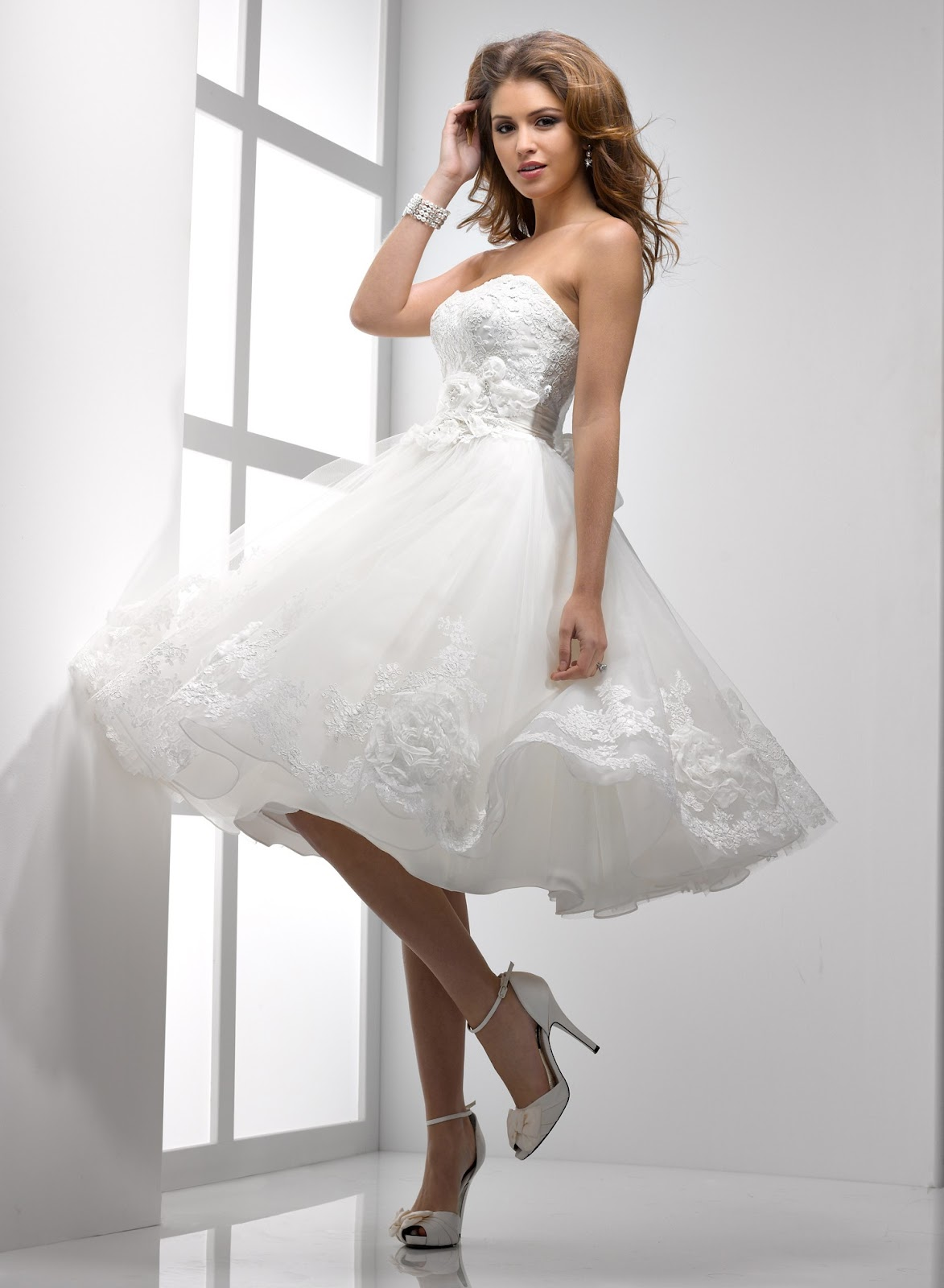 Whiteazalea ball gowns short lace ball gown dresses for Good wedding dresses for short brides