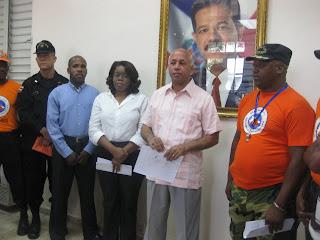 Gobernador Gamalier Montás exhorta a la población a mantenerse atenta a los boletines del COE ante la presencia de Irene