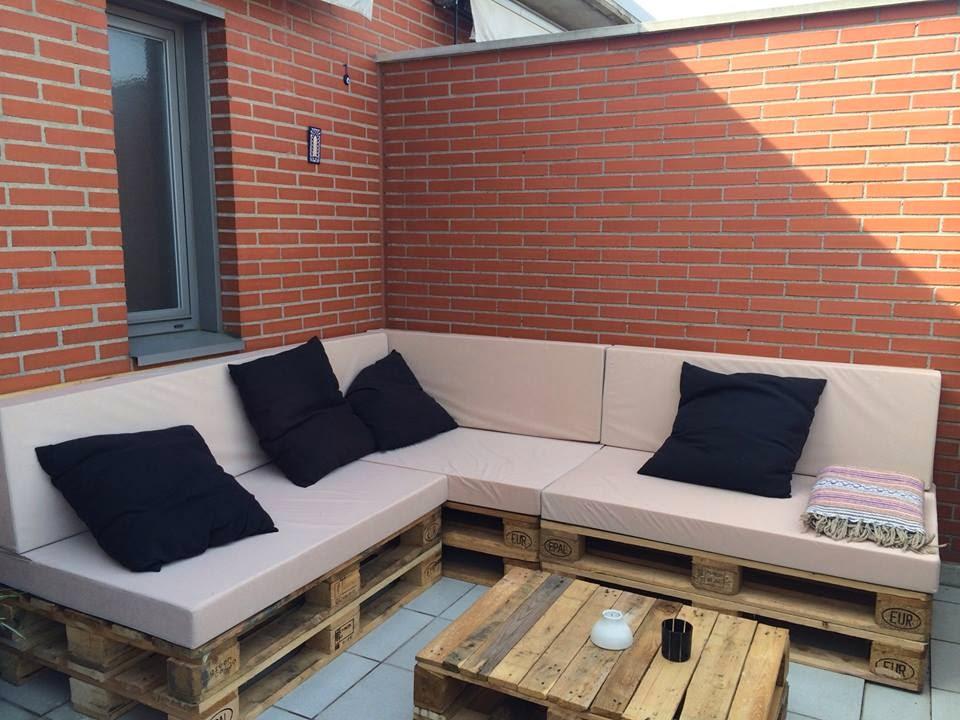 Momentos handmade sofas con palets for Sofa exterior palets