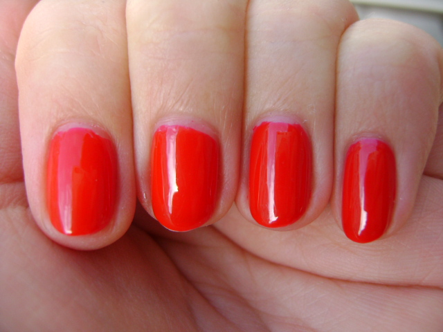 Smart and Sarcastic With Dashes of Insanity: REVIEW of Essie Jelly ...