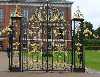 The gate outside Kensington Palace