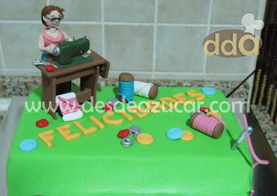 tarta, tarta fondant, tarta costurera, hilos, maquina de coser, refrey, tarta fondant Sevilla