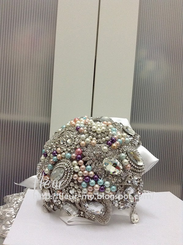 Exclusive Brooch Bouquet by Fleur