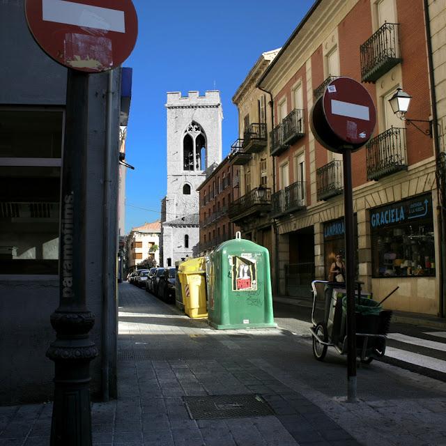 Al palentino, las prohibiciones, por duplicado. 2012 (cc) Abbé Nozal