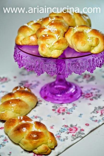 Blog di cucina di Aria: Brioches vaniglia e miele