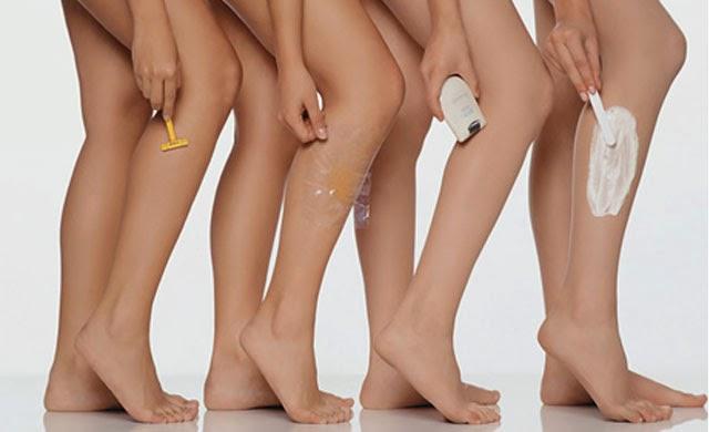 Mulheres fazendo depilação feminina