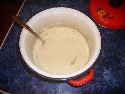 Замешиваем тесто - knead dough...