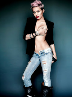 Miley Circus topless pour V MAGAZINE.( Photos )
