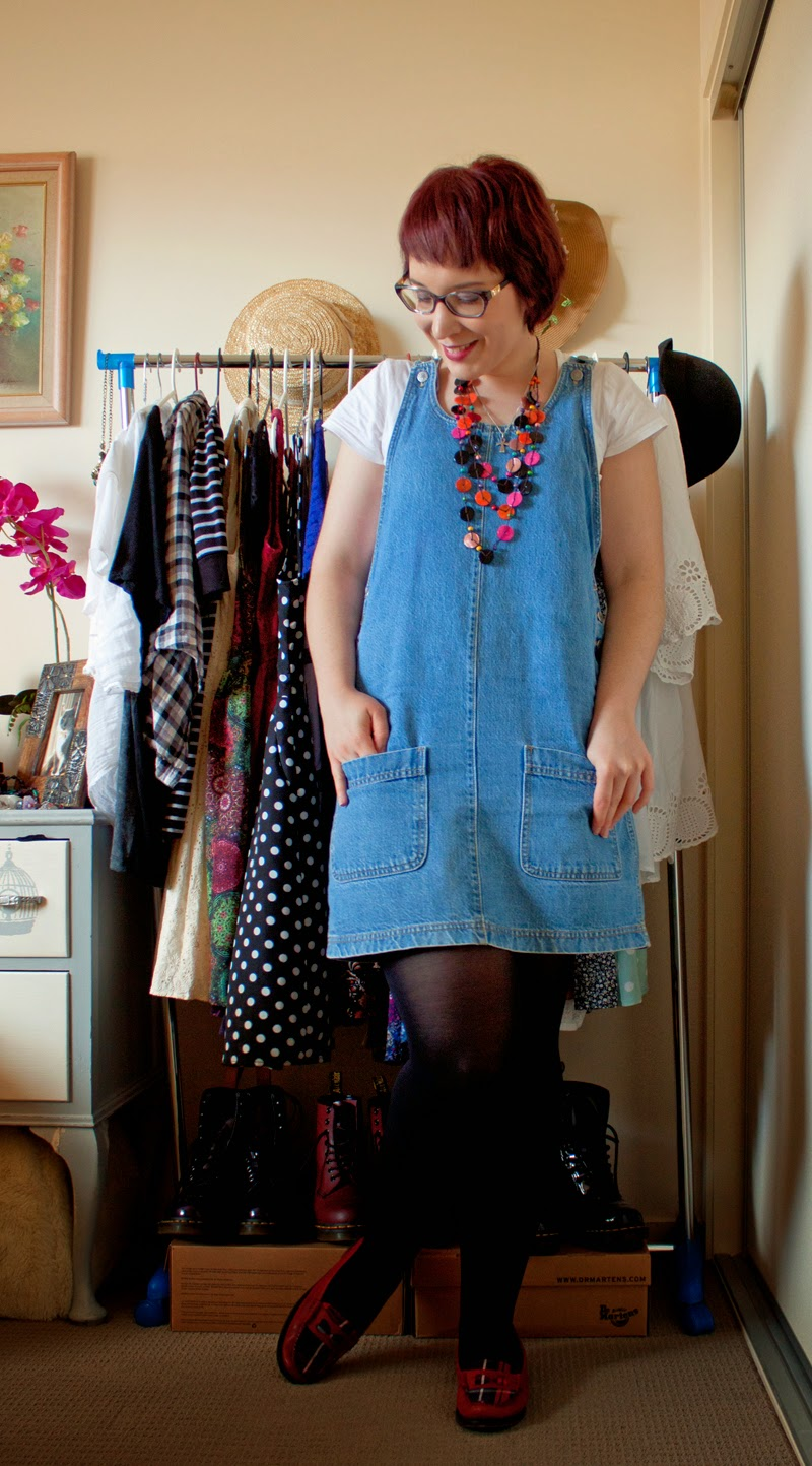 how to wear denim pinafore overallls
