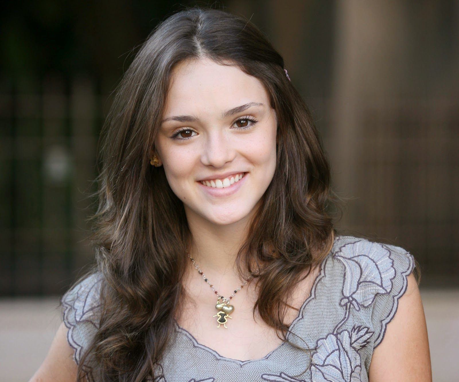 Isabelle Drummond-Biografia e Fotos