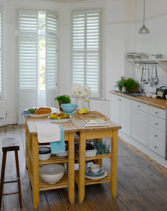 Una isla de cocina econ mica y modular ministry of deco - Camareras de cocina ...