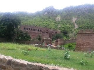 Bhangarh palace