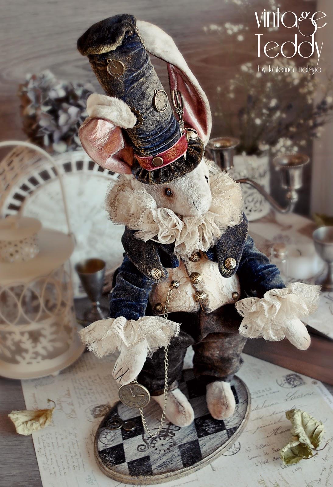 Кролик из Алисы в стране чудес