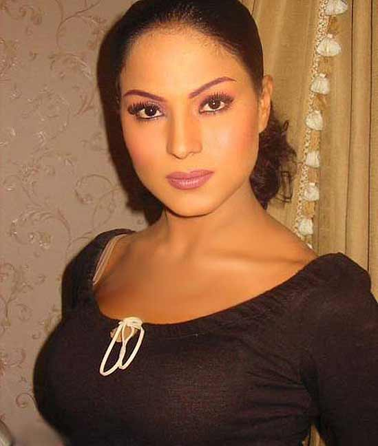 Veena Malik Wedding http://www.okynews.com/2012/04/wedding-sadness-for-veena-malik.html