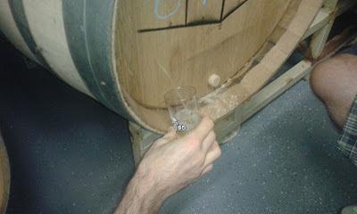 installing the sample port