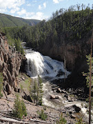 We took a drive through Firehole Canyon and came across the falls. (jo the yellowstone park )
