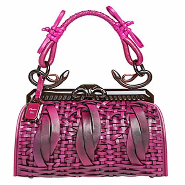 las carteras son parte del guardarropas de una mujer y complementan tu ...