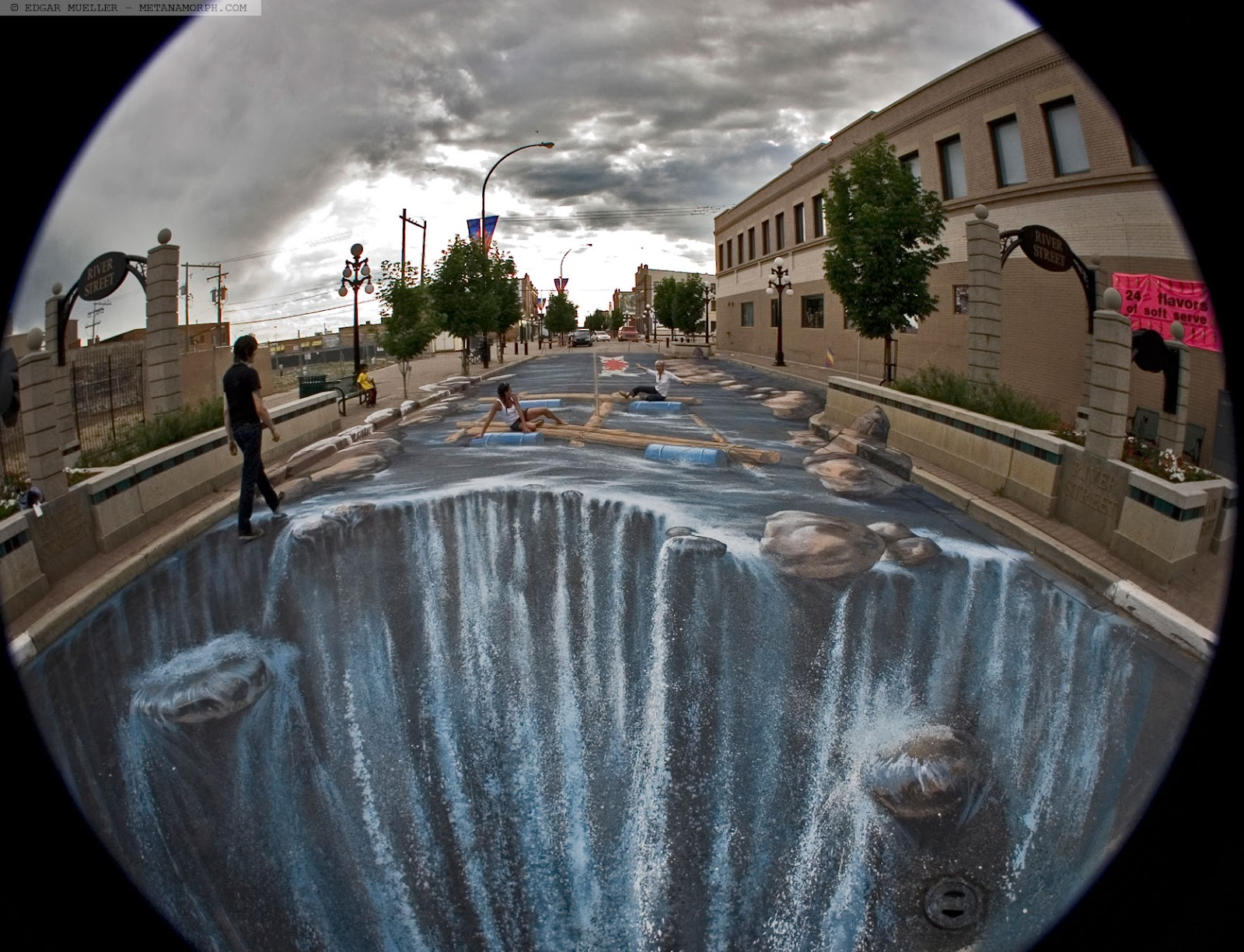 15-The-Waterfall-Edgar-Mueller-metanamorph-Enormous-Street-Art-Drawings-and-Paintings-www-designstack-co