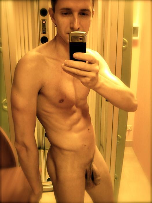 Ragazzi giovani gay nudi annunci hot varese