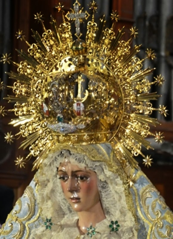 María Stma. Esperanza Macarena - Sevilla