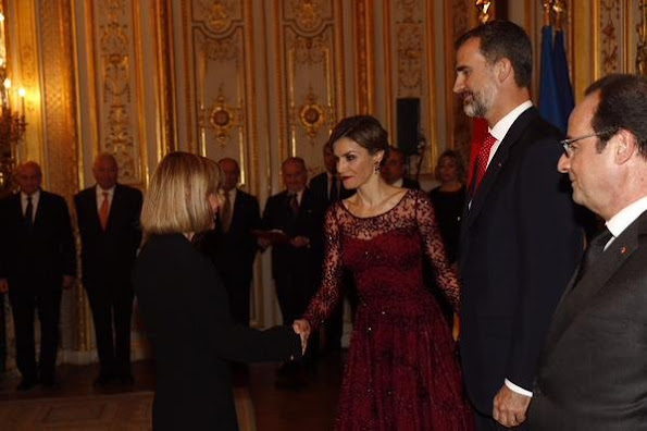 Queen Letizia of Spain and King Felipe VI of Spain attends for the State Dinner hosted by French President François Hollande at the Elysee Palace