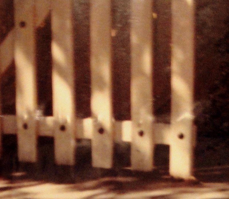 Un d a es un d a la puerta del jard n y los manteles for Porque se llama la puerta del sol
